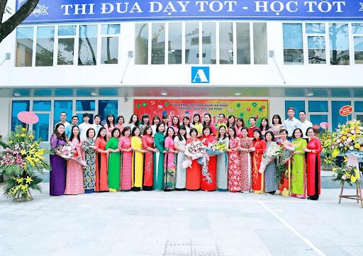 Đội ngũ giáo viên trường tiểu học Ba Đình