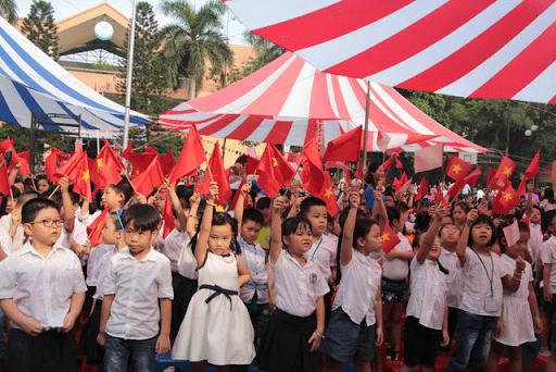 Lễ khai giảng trường tiểu học Thực Nghiệm
