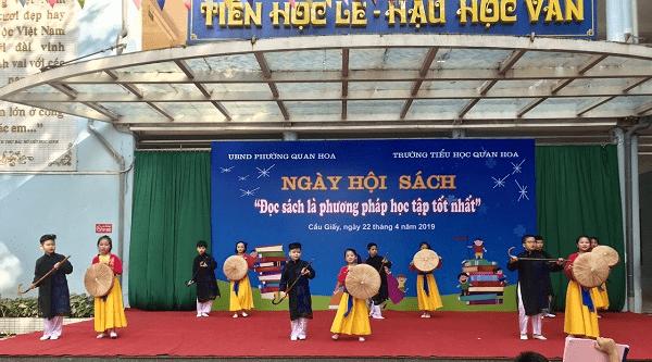 Ngày hội sách được tổ chức tại trường tiểu học Quan Hoa