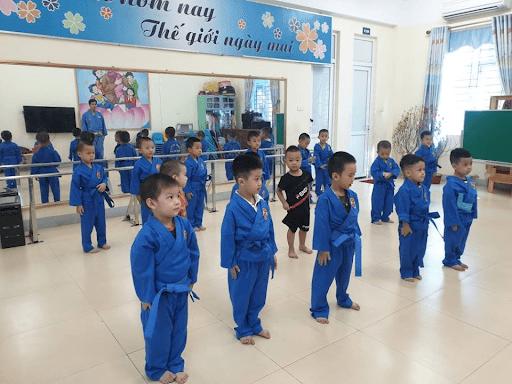 Lớp võ thuật tại trường mầm non Sao Mai