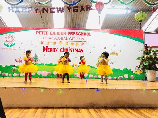 Chương trình chào đón Giáng sinh của học sinh trường mầm non Peter Garden