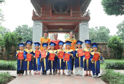 Chuyến đi tham quan và nhận bằng tốt nghiệp của học sinh trường mầm non Lâm Nhi