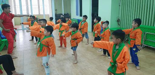 Học sinh trường mầm non Lâm Nhi học lớp võ thuật
