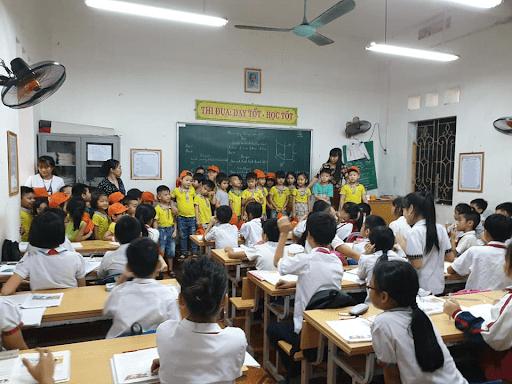 Học sinh trường mầm non Bích Hòa tham quan và giao lưu với các anh chị bậc tiểu học