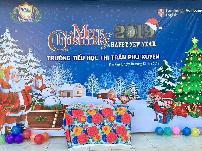 Trường tiểu học thị trấn Phú Xuyên tổ chức Lễ giáng sinh cho các em học sinh