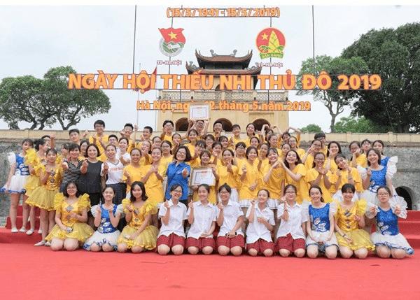 Tiết mục của trường đạt giải nhất Vòng chung kết Liên hoan dân vũ chào mừng kỉ niệm 78 năm ngày thành lập Đội TNTP Hồ Chí Minh của thành phố Hà Nội