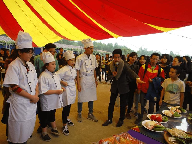 Chuyến tham quan của học sinh nhà trường