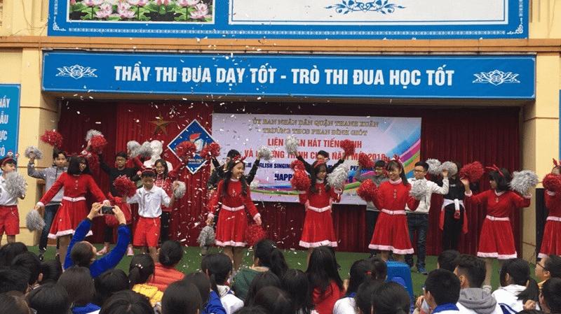 Liên hoan tiếng hát tiếng Anh của trường THCS Phan Đình Giót