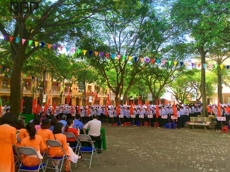 Trường THCS Tiền Phong