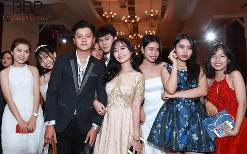 Lễ prom tốt nghiệp cuối khóa của học sinh trường THCS chuyên Hà Nội - Amsterdams