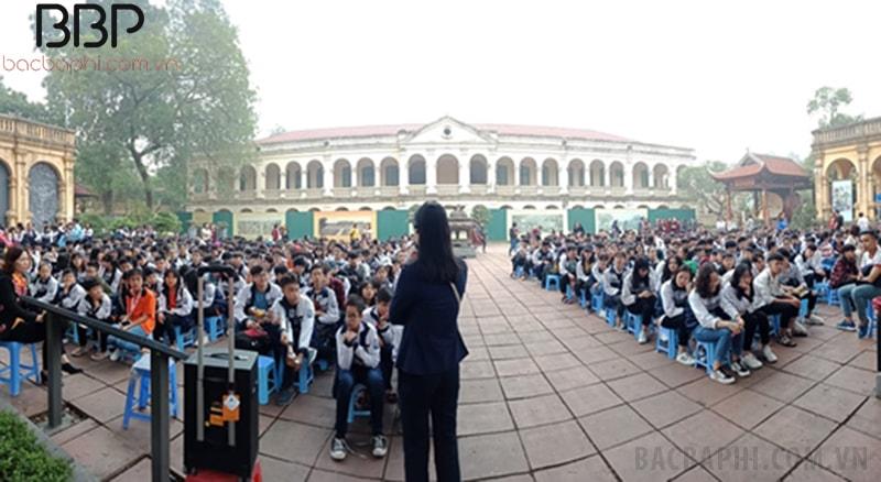 Hoạt động ngoại khóa tại Hoàng thành Thăng Long của học sinh trong trường