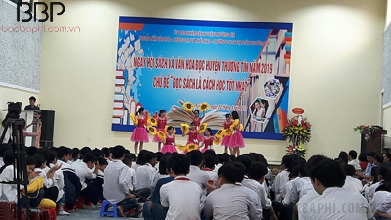 Nhà trường tổ chức ngày hội đọc sách cho học sinh