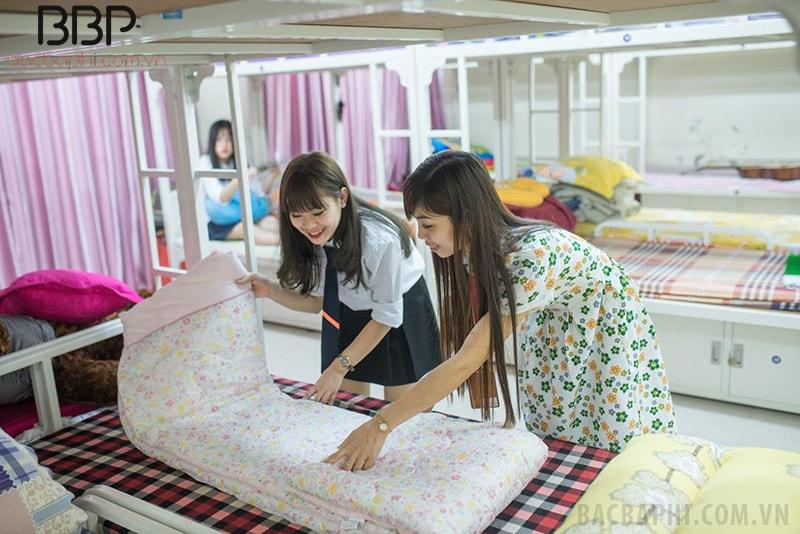 Phòng ở kí túc xá sạch sẽ, tiện nghi của trường THPT FPT