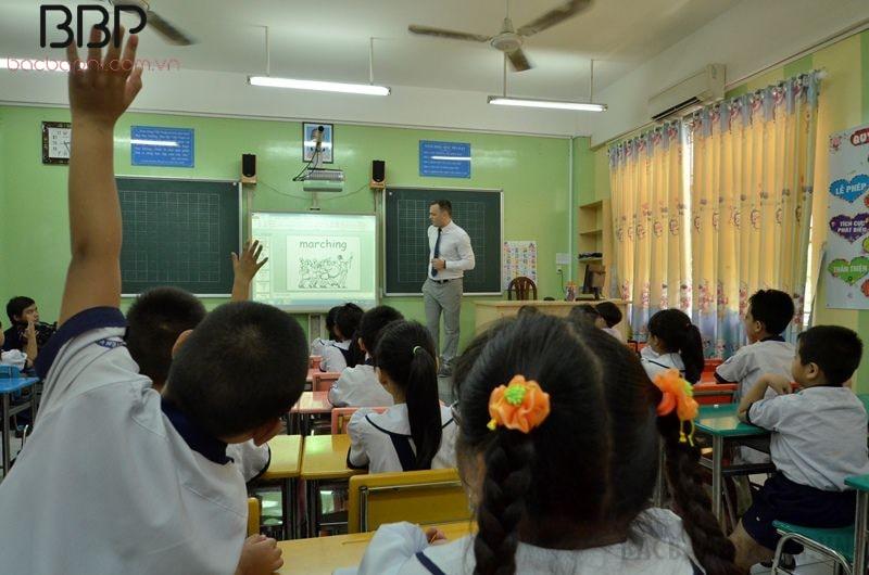 Giờ học tiếng Anh tích hợp của trường tiểu học Nguyễn Văn Trỗi