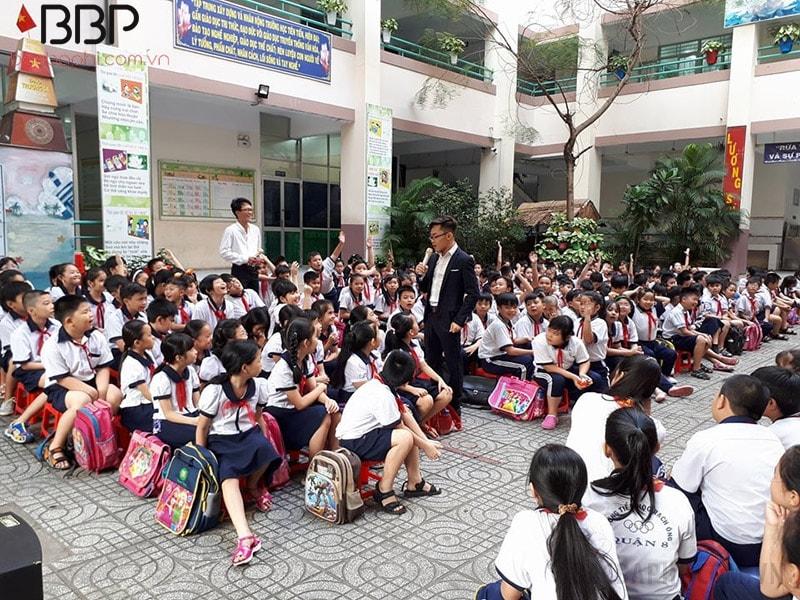 Trường tiểu học Rạch Ông - Phường 2