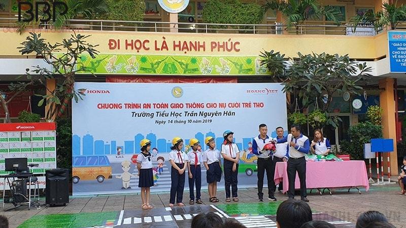 Chuyên đề giáo dục về An toàn giao thông của trường tiểu học Trần Nguyên Hãn
